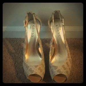 Preowned guess heels